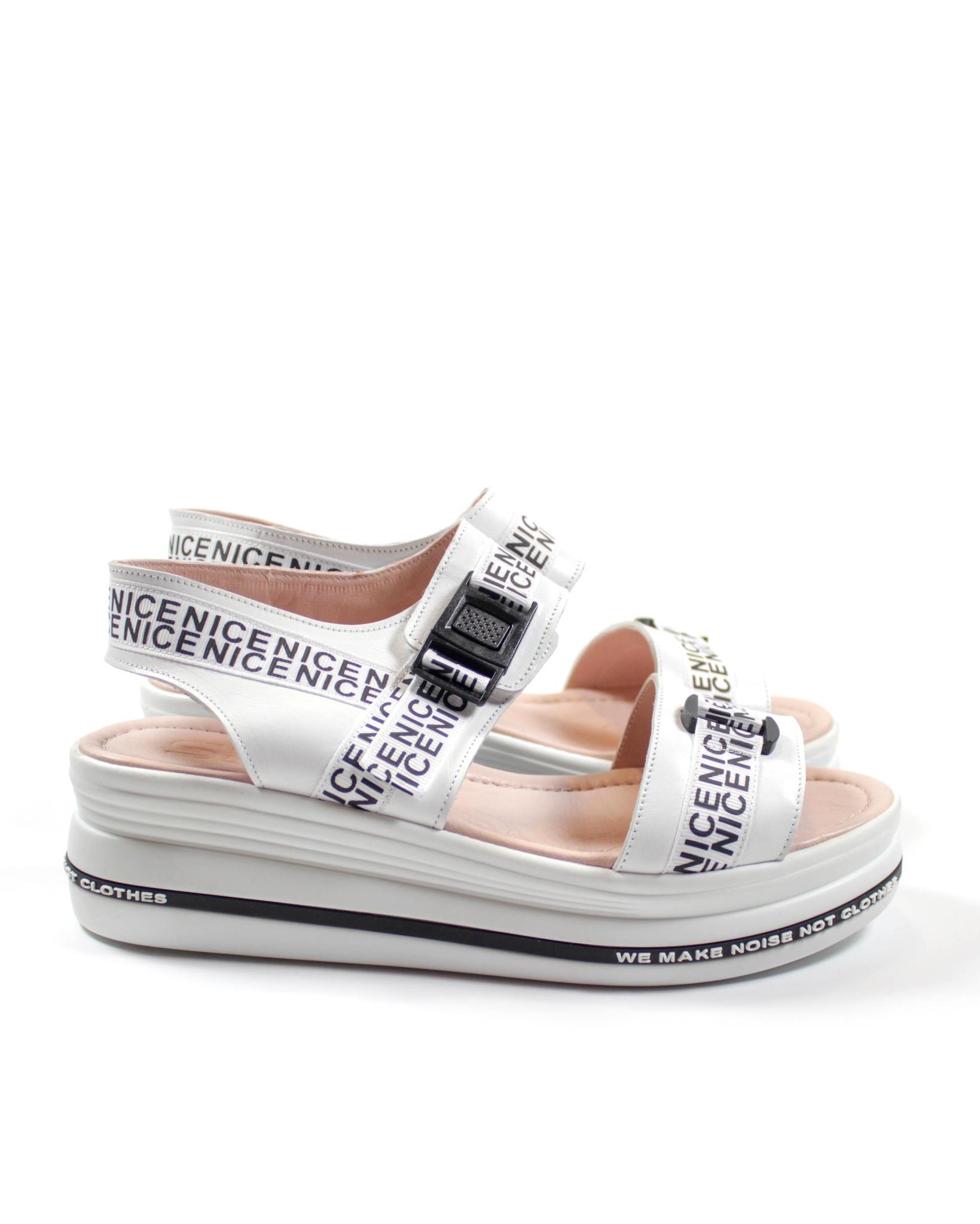 белые сандалии SM