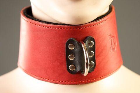 Красный кожаный ошейник на мягкой подкладке