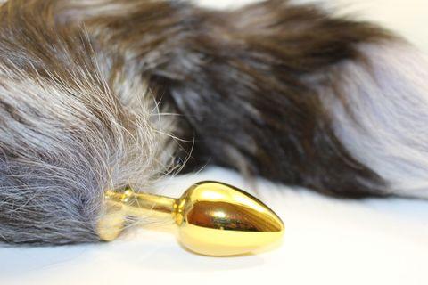 Золотистая анальная пробка с чёрным лисьим хвостом