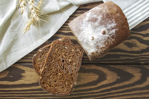 хлеб с семечками подсолнечника
