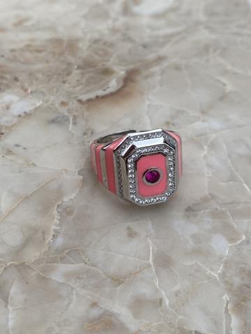 Кольцо-печатка из серебра с розовой эмалью и розовым цирконом