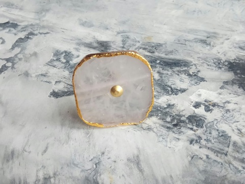 Ручка мебельная из белого кварца