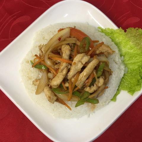 Вок курица с рисом