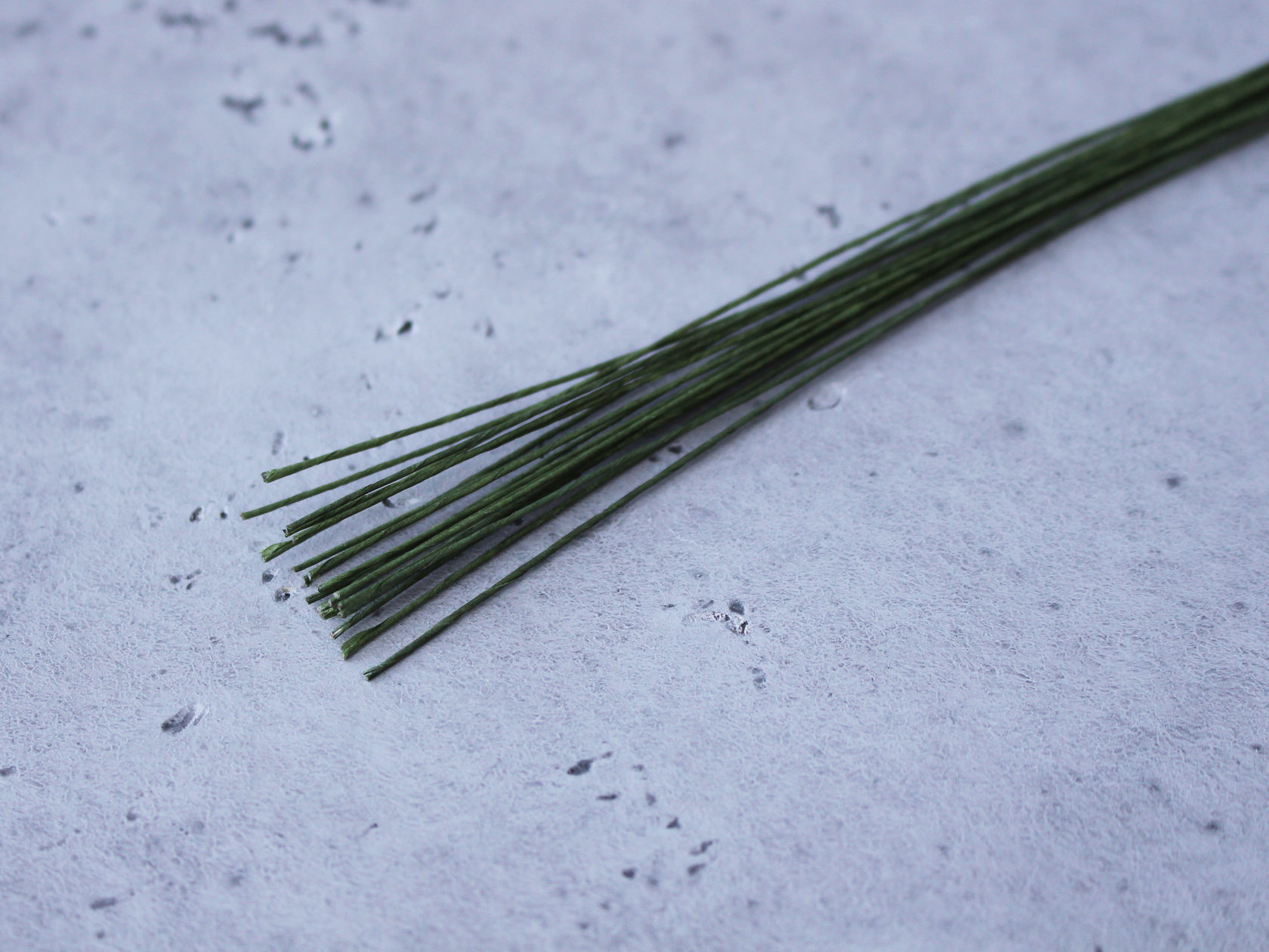 Проволока зеленая №28 0,3мм (20 шт)