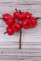Яблоки пласт. Красные 2 см, 10 шт на ветке, 1 уп.