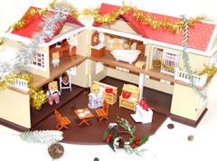 Домик с фонариками Anbeiya family с семейкой котиков и набором мебели