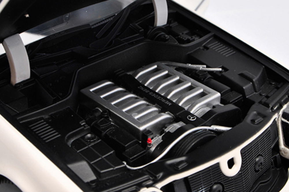 Коллекционная модель MERCEDES-BENZ W140 S-CLASS S600 V140 1990 WHITE