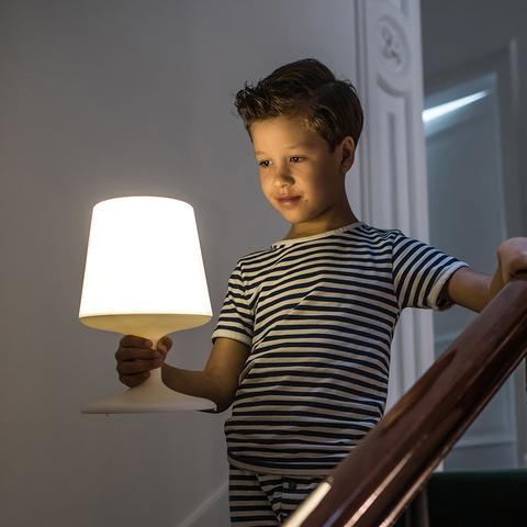 Лампа настольная Light To Go, черная