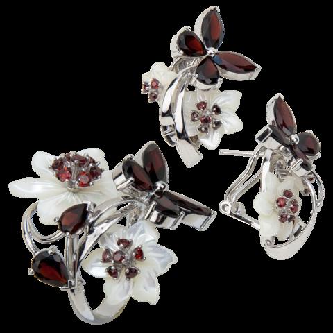 Комплект украшений с цветами из белого перламутра и гранатом № 131