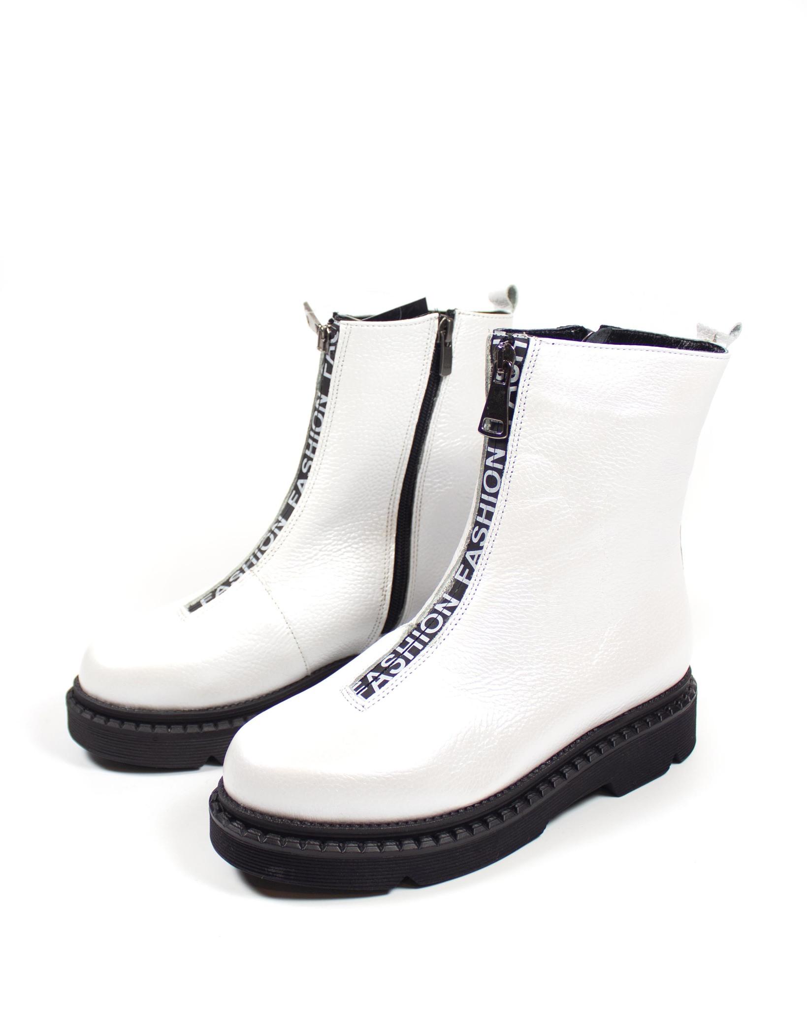 белые ботинки Maria Esse