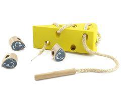 Игрушки из дерева Шнуровка