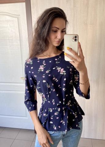 Павла. Блуза великих розмірів з поясом. Синій з квітами