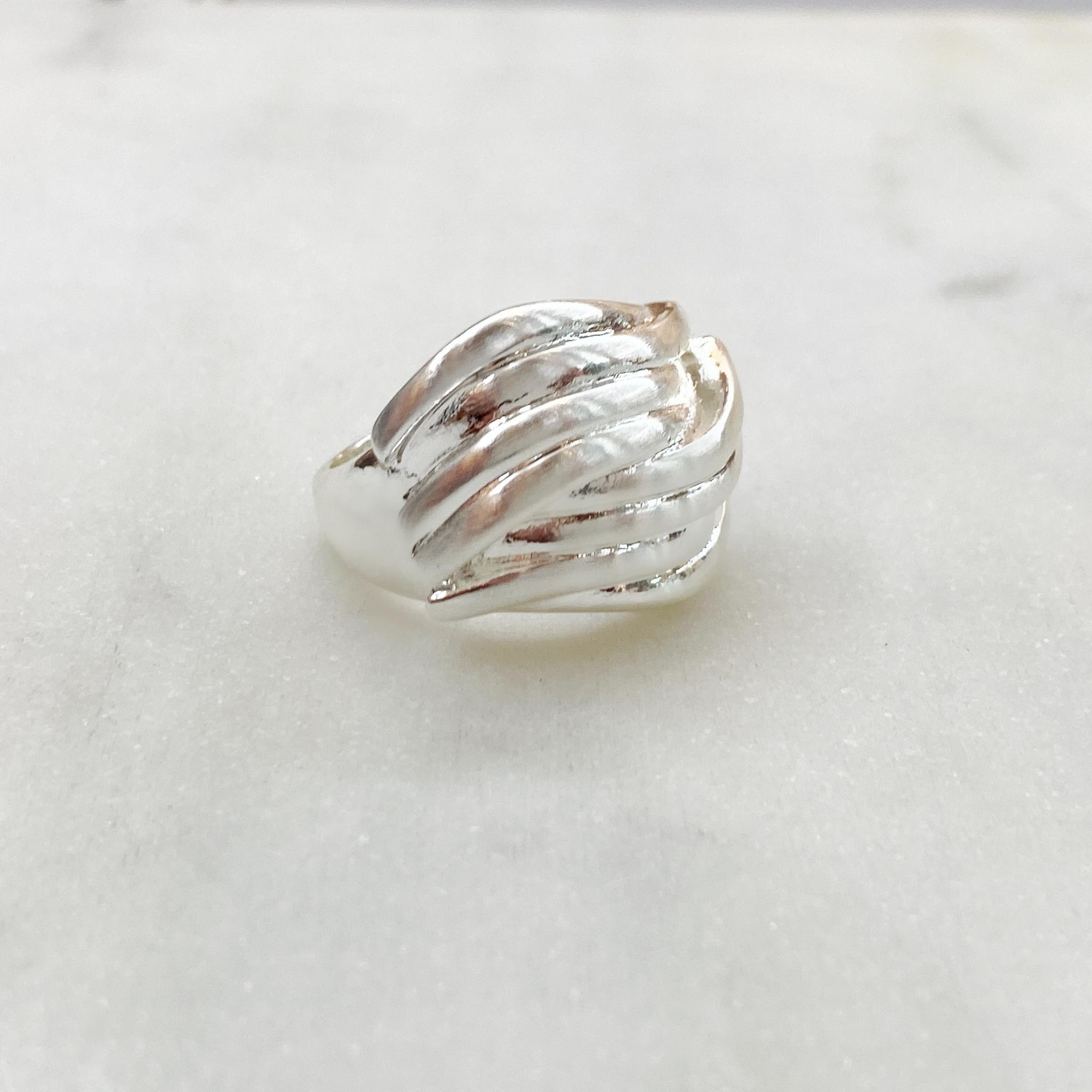 Кольцо Vi волны сатиновое (серебристый)
