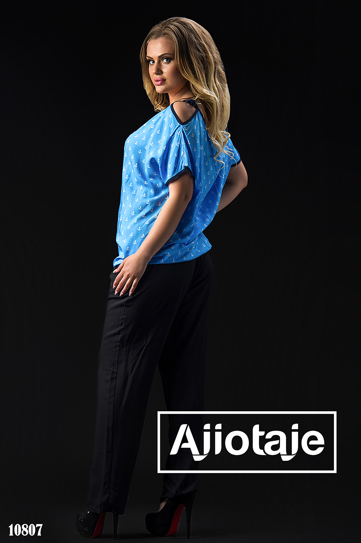 Штапельный костюм с голубой блузкой