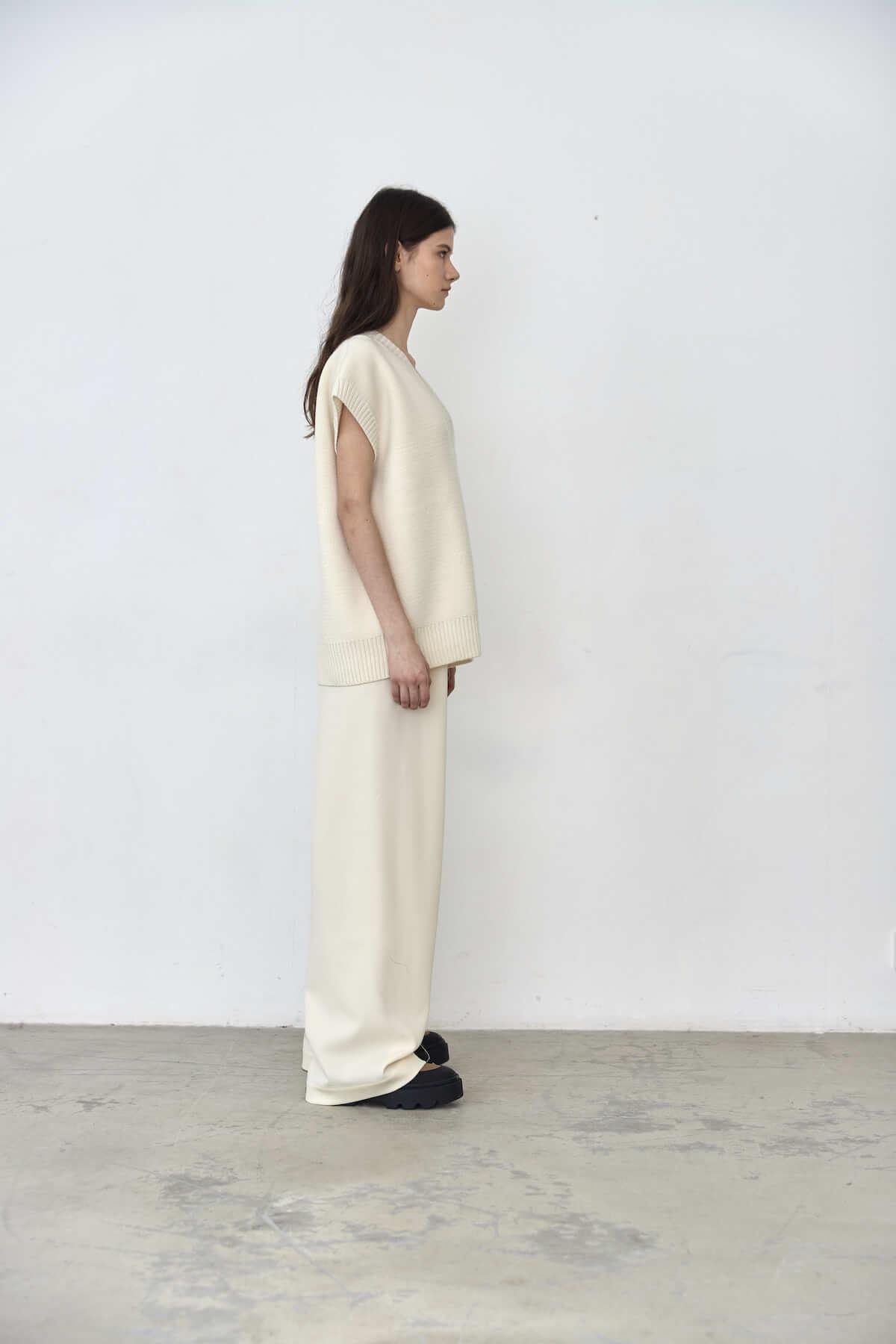 Прямые брюки на кулиске, молочная диагональ