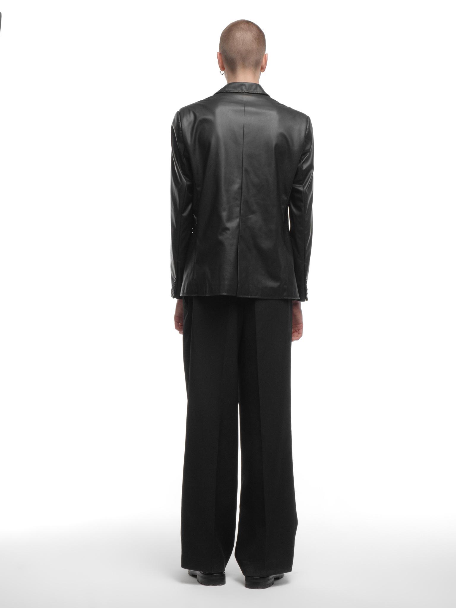 Пиджак из экокожи