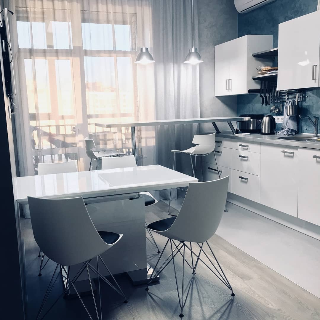 Стол ESF DT2017-2 (120см) белый и стулья ESF PM062 white/black