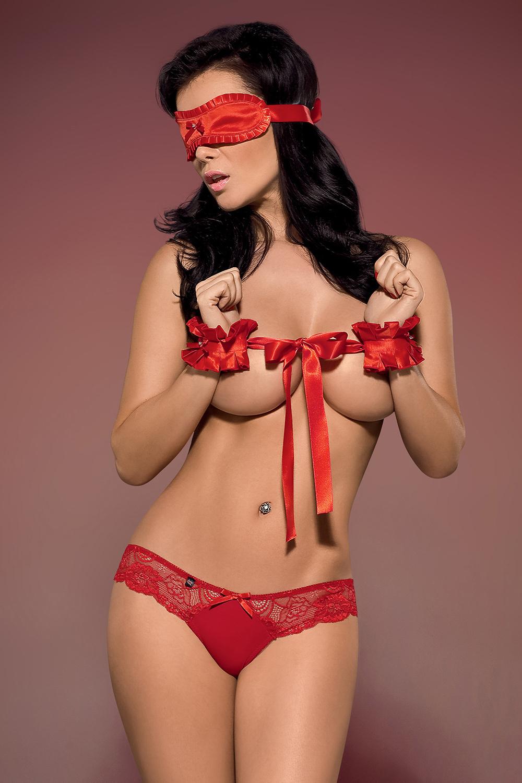 Эротический комплект белья Secred красный: наручники, повязки на глаза и трусики