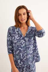 Піжама в сорочковому стилі з квітковим принтом