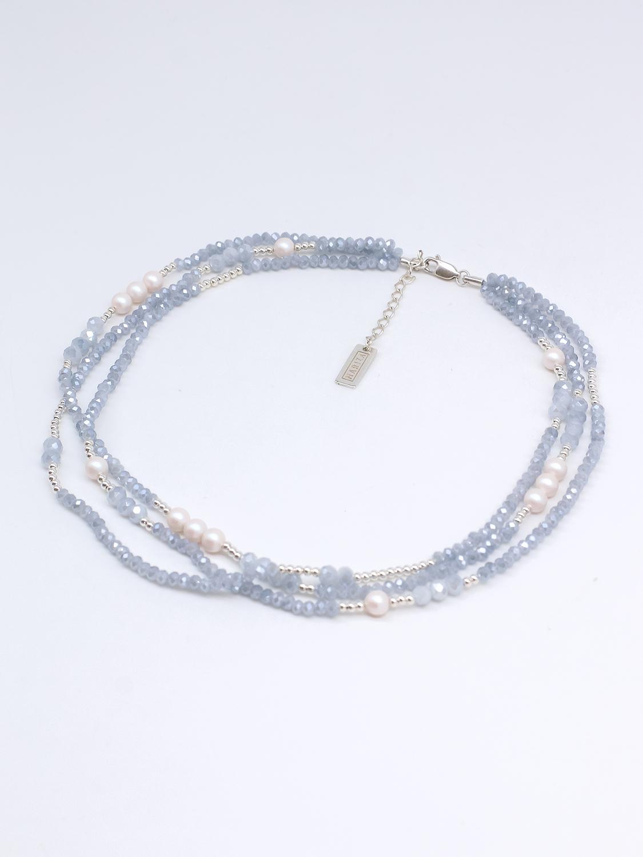 Браслет многослойный из серо-голубого хрусталя с жемчугом Swarovski и серебром  оптом и в розницу