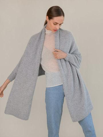 Женский шарф с рукавами серого цвета из ангоры - фото 1