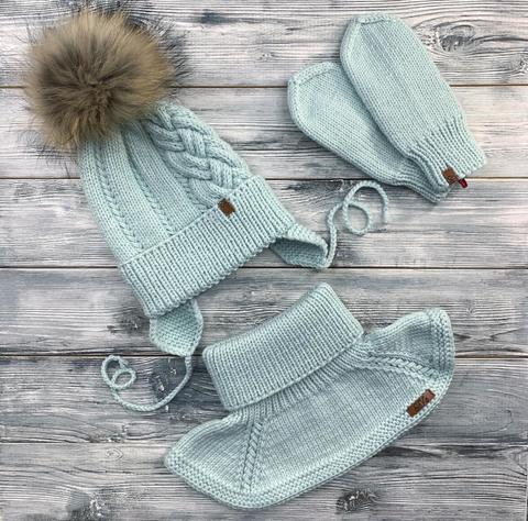 Комплект: шапка, манишка, варежки