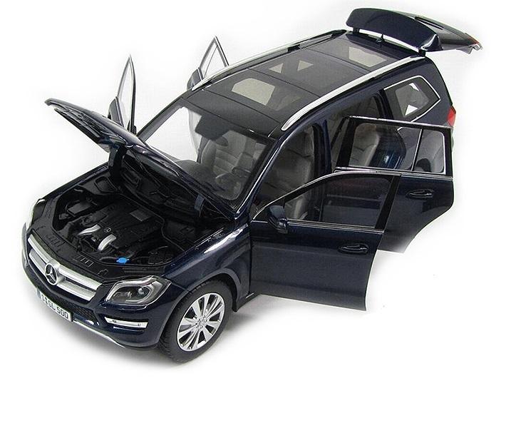 Коллекционная модель Mercedes-Benz W166 GL 500 2013