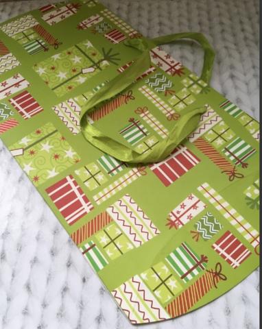 060-7929 Коробка подушка Зеленая