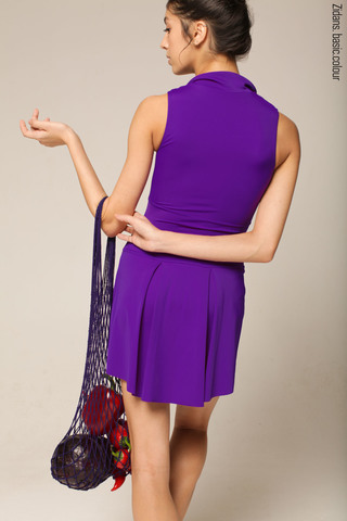 The Skirt Stretches colour | violet