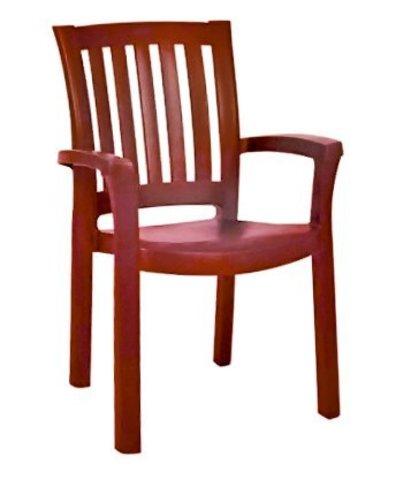 Пластиковое кресло