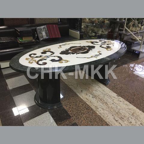 Мраморный стол с мозаикой