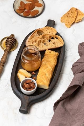 Тарелочка для хлеба, сыра и небольших закусок