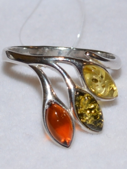 Янтарь 201108 (кольцо из серебра)