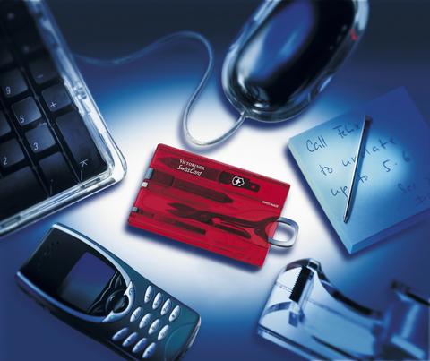 Швейцарская карточка Victorinox SwissCard, красная