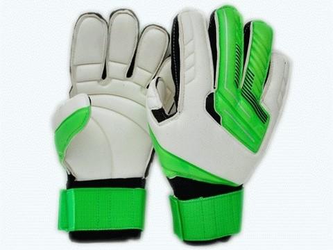 Перчатки вратарские с усилителем. :(846-10):