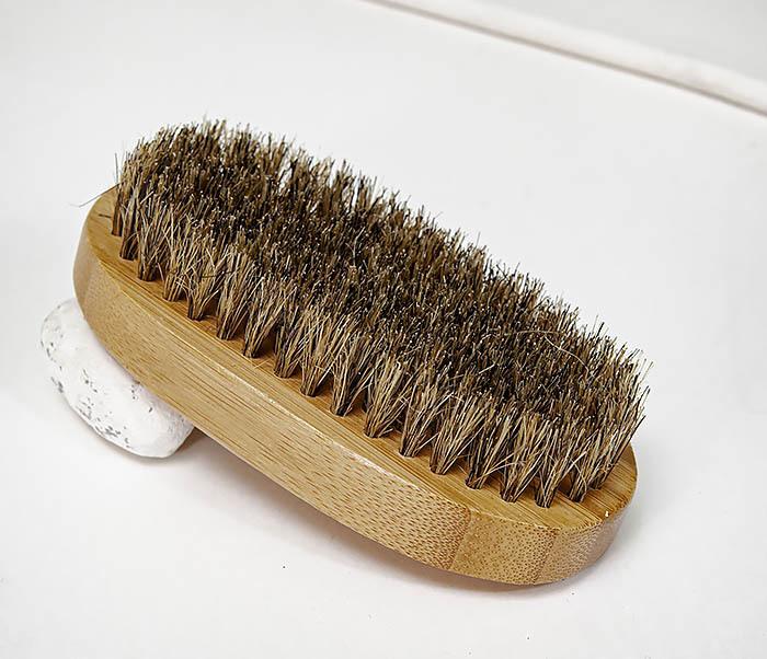 CARE149 Щетка для бороды с рукояткой из бамбука