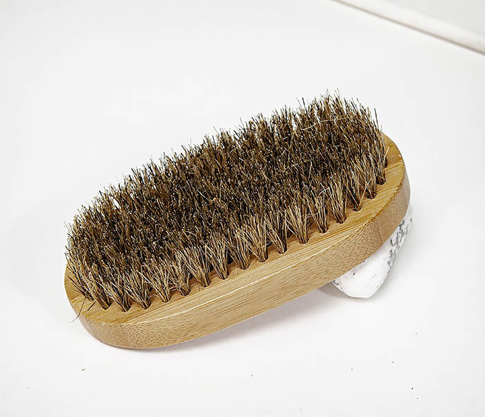 CARE149 Щетка для бороды с рукояткой из бамбука фото 02