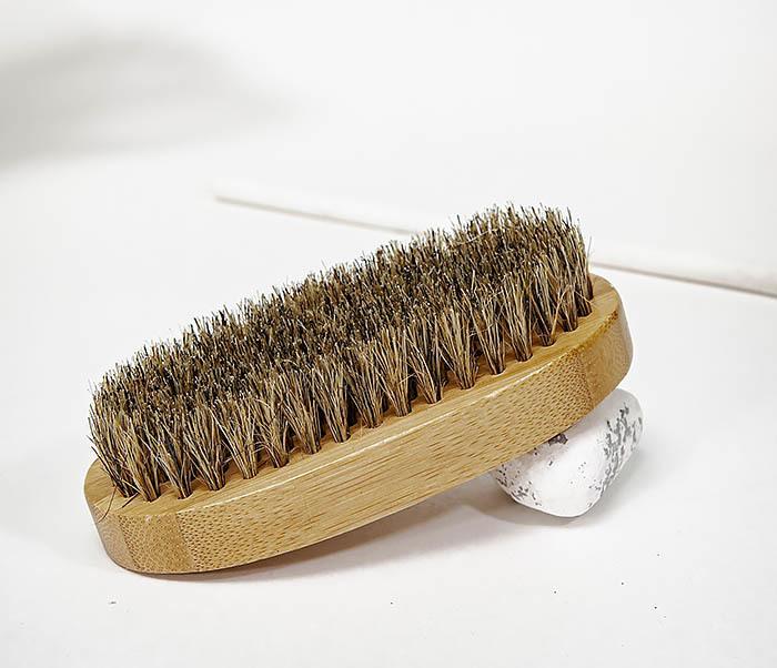 CARE149 Щетка для бороды с рукояткой из бамбука фото 03