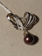 Магали (брошь из серебра с жемчугом)