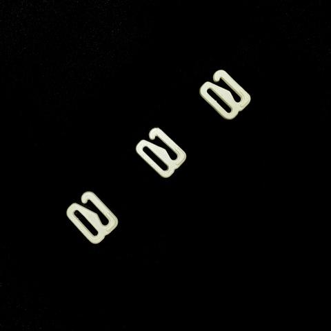 Крючок для бретели молочный 10 мм (цв. 004)