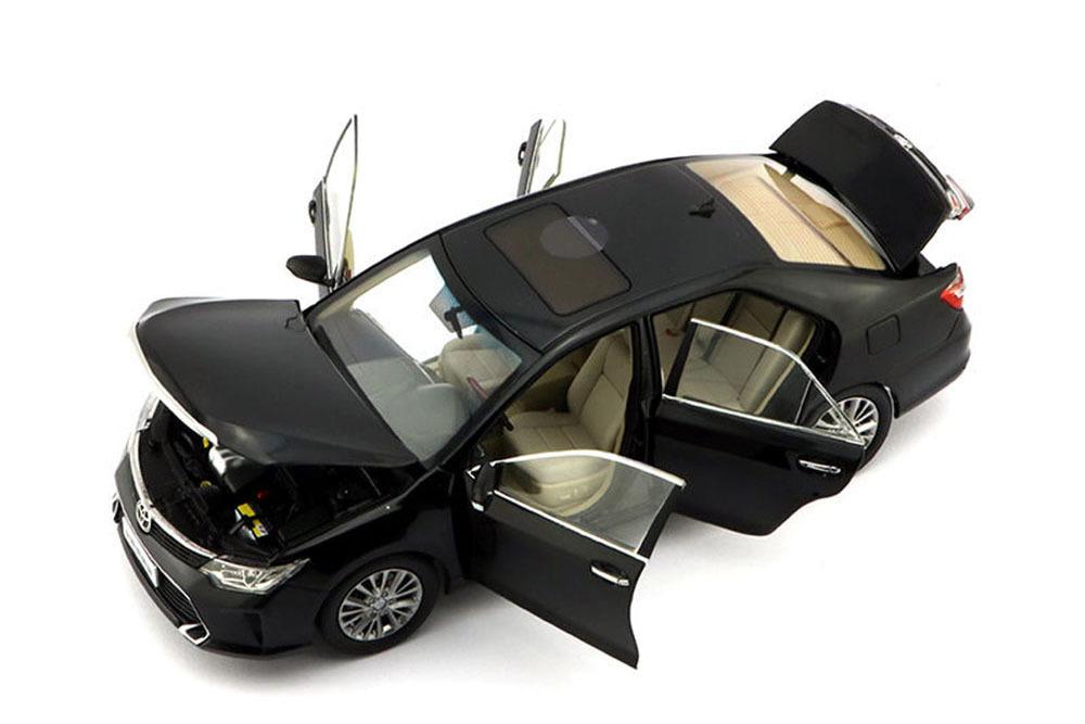 Коллекционная модель Toyota Camry 2015