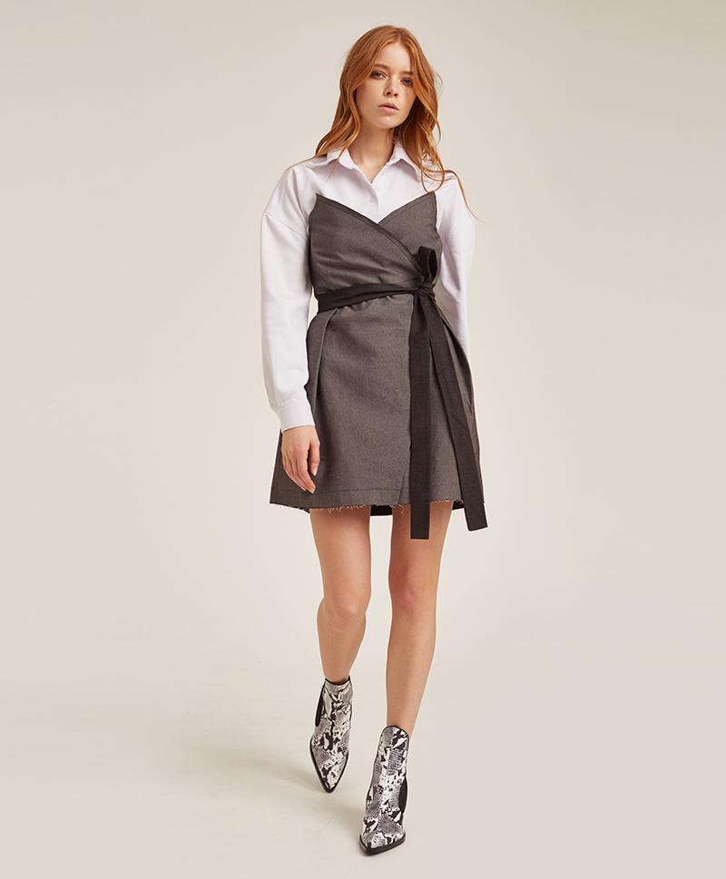 платье-корсаж-из-серого-денима-в-полный-рост
