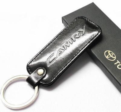 Брелок кожаный Toyota Camry