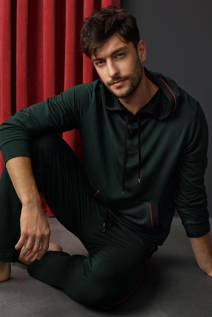 Элитный мужской костюм с пуловером Zimmerli