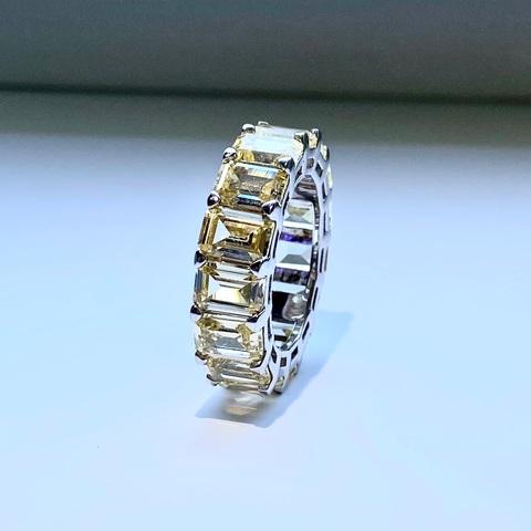 78522- Крупное кольцо-дорожка из серебра с желтыми цирконами багетной огранки