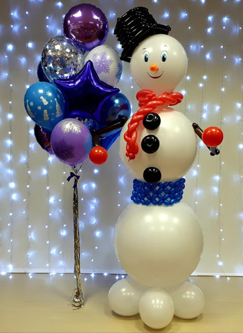 Снеговик и новогодний фонтан дождик