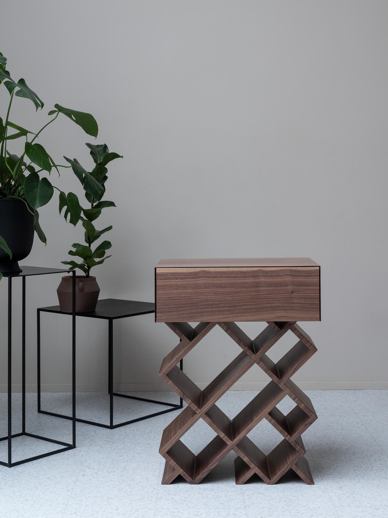 Тумба-столик
