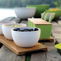 3 мисочки для закусок на бамбуковой подставке