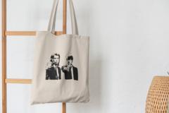 Сумка-шоппер с принтом Криминальное чтиво, Винсент Вега, Джулс Уиннфилд (Pulp Fiction) бежевая 005