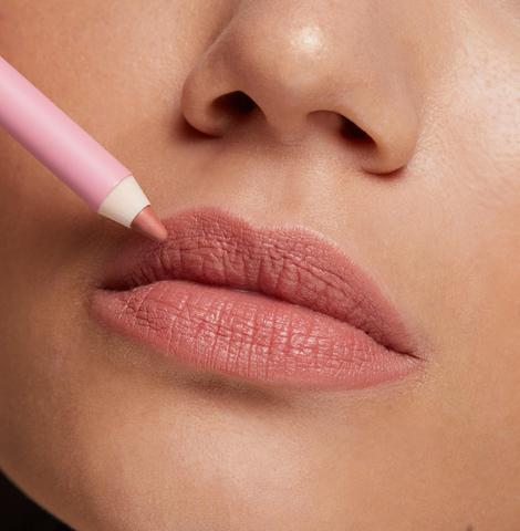 Стойкий карандаш для губ OK BEAUTY COLOR SALUTE SLIDE & STAY в оттенке SANDY